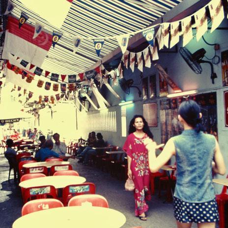 シンガポール/チャイナタウンの裏路地(写真:三枝克之)