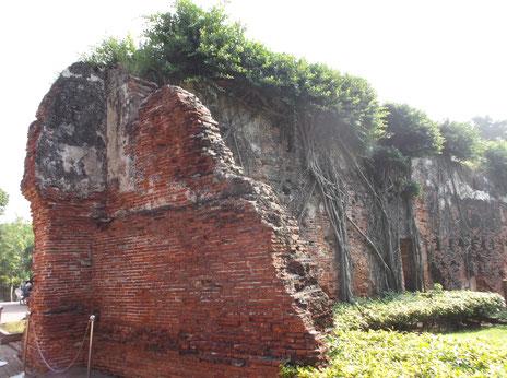 オランダ時代の遺構<安平古堡>の城壁