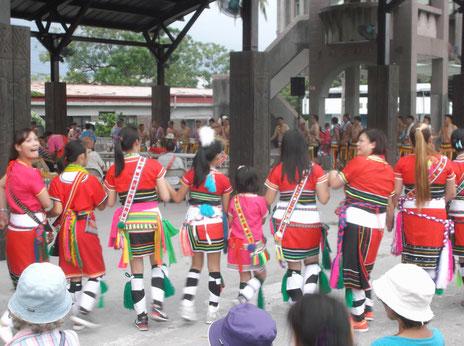 アミ族の豊年祭(花蓮・満自然)