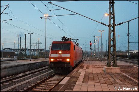 Am 28. Oktober 2015 rollt 152 168-1 als Lz durch Chemnitz Hbf. gen Zwickau