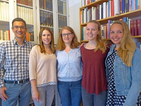 Die Praktikanten aus Uppsala mit Anna Nick (mitte).
