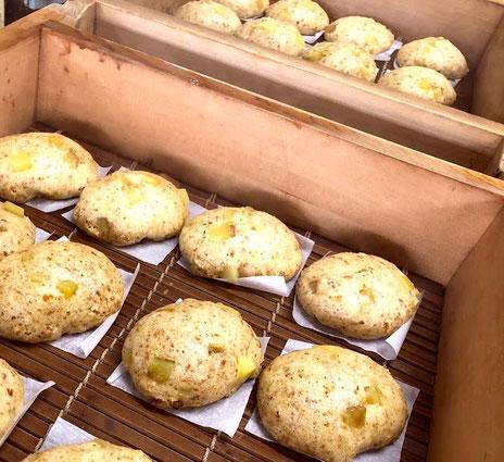 栃の実蒸しパン