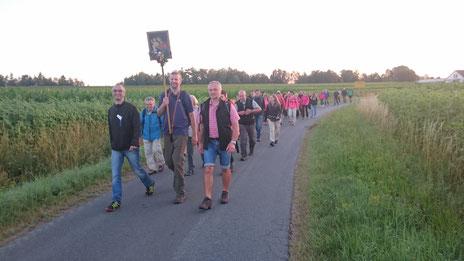Fußwallfahrt 2018 (kurz nach der Pause in Krickelhof)