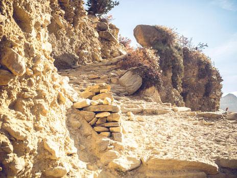 Ich muss gestehen, bergauf ist mir tausendmal lieber als bergab. Meine Knie verstehen das ;-)