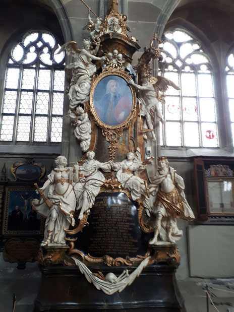 Grabmal der Familie Bonhoeffer: In der Kirche St. Michael in Schwäbisch Hall, Foto (c): A. Fürst