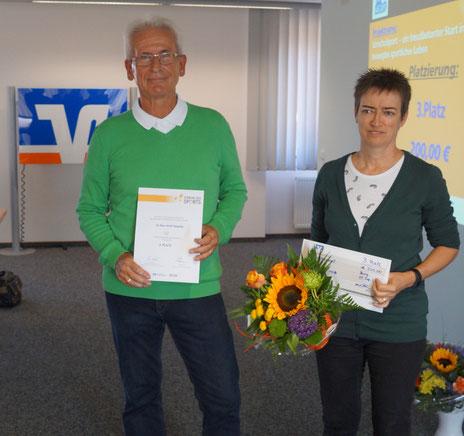 Bernd Mittelstädt und Grisula Lapke vertraten die SG Blau-Weiß Niegripp. Foto: Alpha-Report