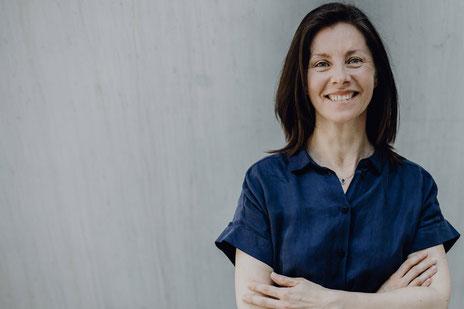 Caroline Giffo ist französische Muttersprachlerin und Übersetzerin.