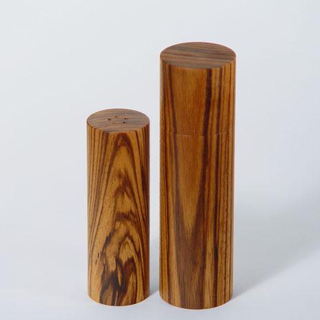 Faszinierende Pfeffermühle-Salzstreuer Paare in edlem Holz, passend zusammengestellt von Beständig Design zu exklusiven Sets
