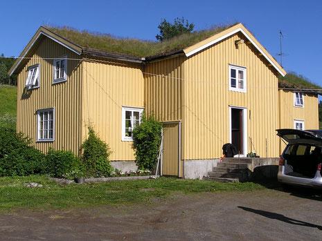 Flaten Gård war unser Ausgangspunkt am südlichen Ende des Stugusjøen (Sjøen=See).