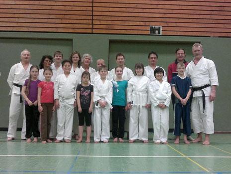 Bild 01: Karate im SC-Hemmoor März 2012........................zum Vergrößern bitte auf´s Bild klicken!