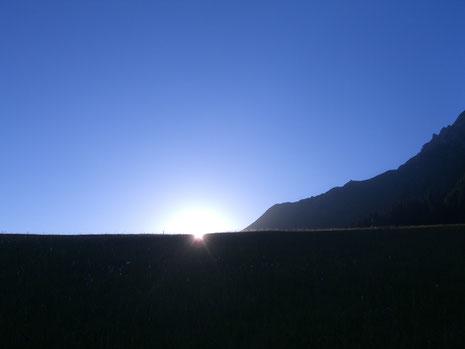 Ein klarer Sommermorgen im Aufstieg zum Tannhorn