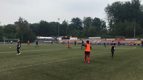 Der VfB II agierte heute in schwarzen Trikots.
