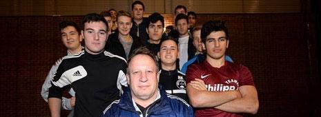 Dieter Büth will mit der A-Jugend des VfB Bottrop das Tabellenende verlassen. Foto: Lars Fröhlich