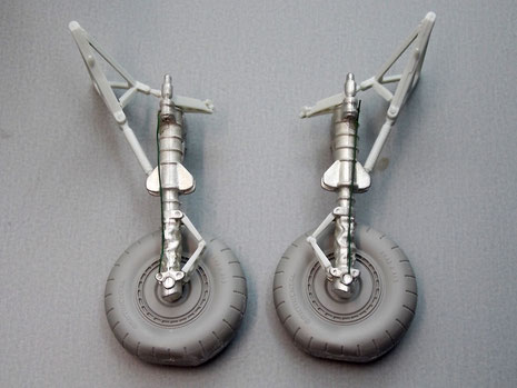 Für das größer Modellgewicht ist ein Metallfahrwerk und abgeflachte Resinräder mit besserer Detaillierung vorgesehen.