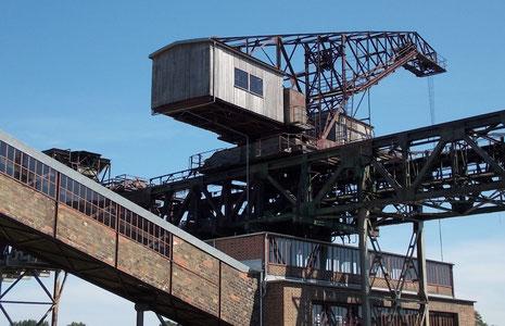 Kraftwerkskran, der zum Einsatz kam, sollte die Kohlebandförderung ausfallen.