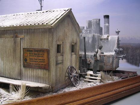 Das Diorama ist von allen Seiten her mit kleinen Blickpunkten versehen.