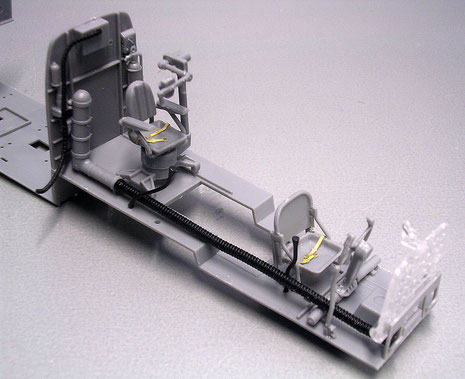 Hier kann man die unterschiedliche Materialien gut sehen- die Instrumententafel ist komplett als Glasbauteil gegossen-eine gute Idee.
