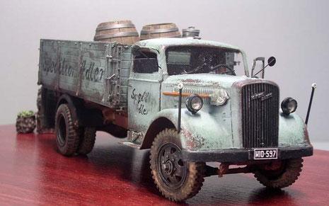 Der markante Opel Blitz Bug und das zivile Kennzeichen.