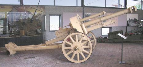 Feldhaubitze 18 mit Speichenräder 105mm