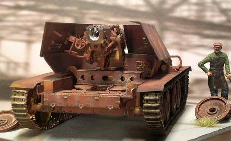 Trotzder schweren Waffe ein insgesamt sehr niedriger Schwerpunkt und Gesamthöhe- ideal für einen Panzerjäger.