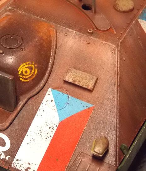 Feine Rostspuren zeigen das unbehandelte Eisen.
