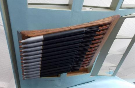 Unter den Flügeln RLM-Raketen zur Bomberbekämfung-beachte die Holzrahmen aus Materialmangel!