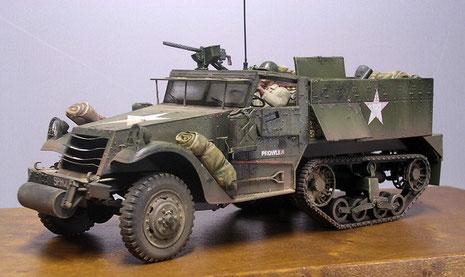 """Auch der M21 wurde für das Diorama """"Befreiung"""" mit vielerei Ausrüstungsgegenständen ausgestattet."""