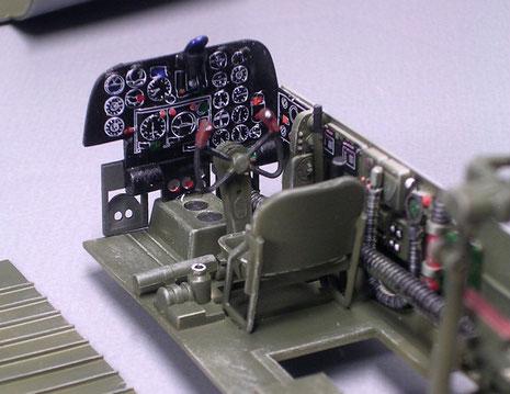 Pilotencockpit mit Instrumententafel als Decal.