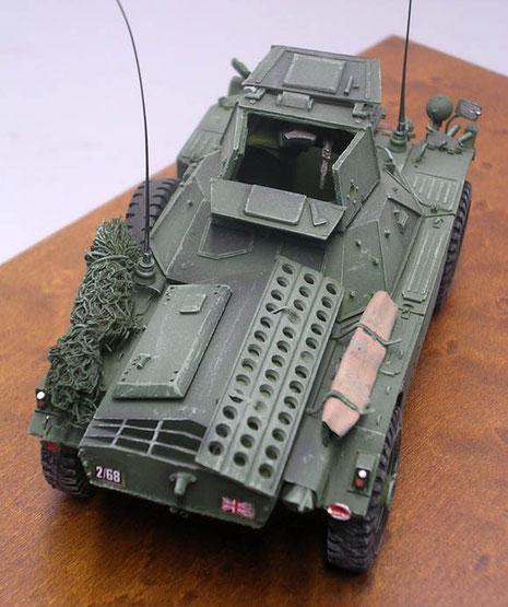 MG-Turm mit zweiteiliger Luke, sodaß der Kommandant der zweiteiligen Besatzung auf der Luke sitzend herausschauen konnte.