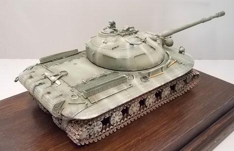 Der Turmform des T-54/62 wird hier schon vorgegriffen.