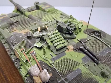 Neben der Kommandatenluke hat der Ladeschütze noch ein 7,62mm-MG zur Nahverteidigung.