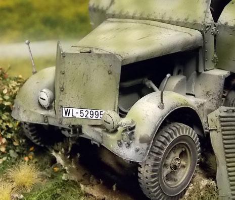Luftwaffen-Kennzeichen und schön gealterte Frontpanzerplatte.