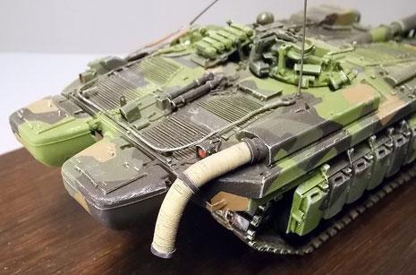 Hier inder Kampfversion ist die Abgasanlage nur mit einem Wärmeschutzschlauch versehen, um das Infrarotbild zu reduzieren.