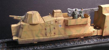 Der Artilleriewagen in der BP 42 Ausführung mit 105mm FHbtz