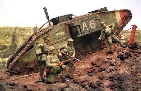 Der Tank bietet eine gute Kulisse für die Figurengruppe.