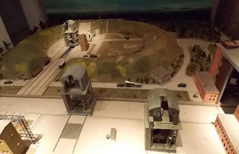 Das große Diorama des Versuchsstandes VII für die V2 Testschüsse. Er viel besonders den späteren Bombenabwürfen zum Opfer und liegt heute wg. Betreiberstreit unzugänglich im Nordosten der Halbinsel.