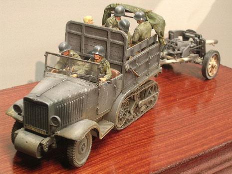 Als Zugmaschine für die Osten mit 5cm Pak 38.