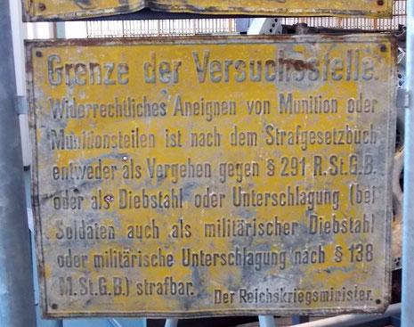 Originale Sperrbereichstafel.