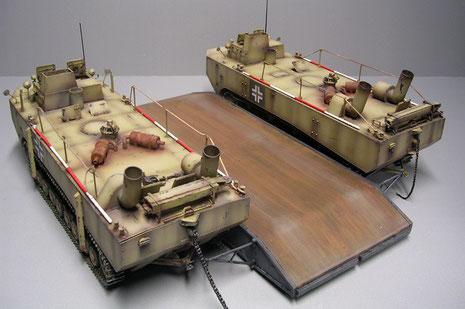 Der Ponton ist groß und tragfähig genug, um einen PzKw IV mit 24 Tonnen zu tragen.