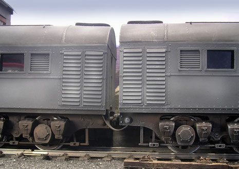 Eng wurden beide Loks aneinandergekoppelt und Druckluft und Stromverbindung gleichgeschaltet.
