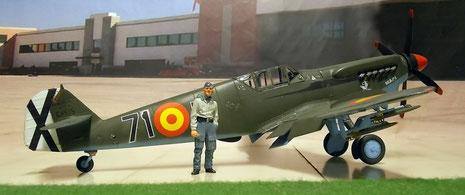 Die typische Rumpfform der Me-109-bis auf den Bug mit dem neuen Motor.