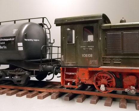 Auch die Seitenmarkierungen der deutschen Reichsbahn gehören dazu.