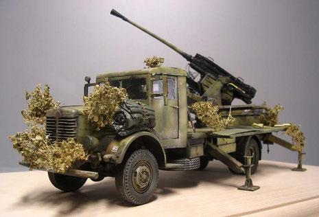 Maraknt für die Büssing-Fahrzeugfamilie - der dominante Kühler am Bug.