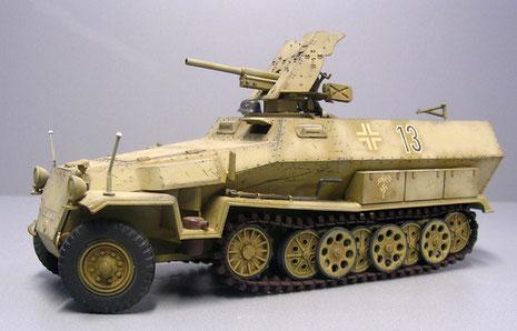 Das Modell zeigt ein Fahrzeug des DAK 1942 - 15. Panzerdivision-Grenadierregiment