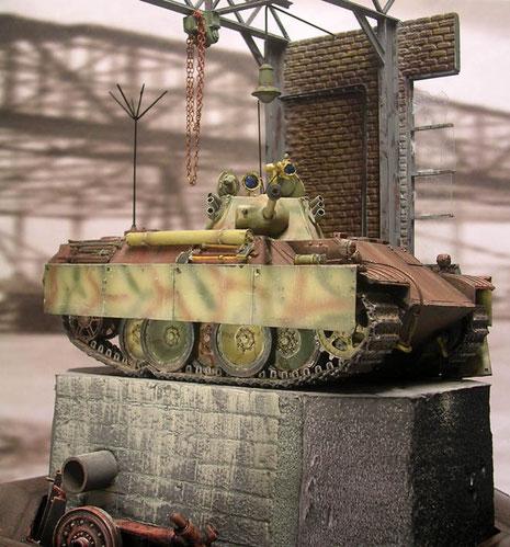 Deutscher Panzerbau in Endzeitstimmung.