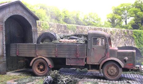 Der Beute-LKW ist schon arg mitgenommen:-)