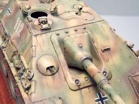 Aufgebohrtes Bug-MG-die Schweißnähte wurden durch dunkles Washing betont.