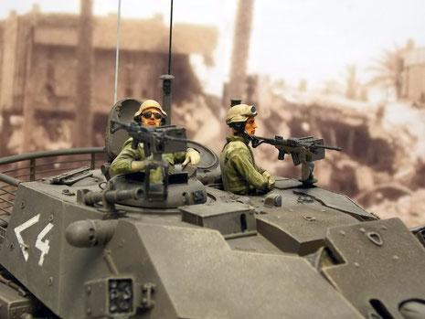 Eine passende IDF-Crew kommt von Blast Models.