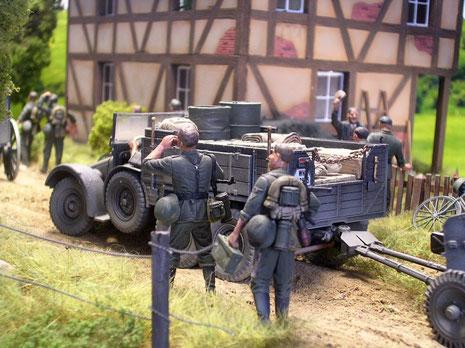 Die bekannte Krupp Protze-hier als Zugfahrzeug der 3,7cm Pak 36.