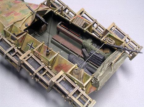 Der noch freie Inneraum erlaubte das Mitführen von Munition und Ausrüstung.